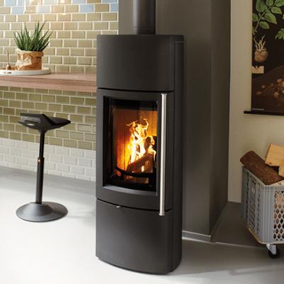 Fonte-flamme-delta-poele-a-bois-design-contemporain