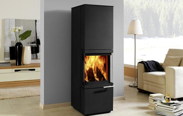 Fonte-flamme-cheminees-jouvin-poele-Ö-bois-bois-design-contemporain-maestro-AMS-ambiance