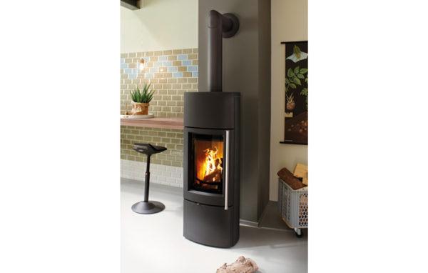Fonte-flamme-cheminees-jouvin-poele-a-bois-design-contemporain-Delta-5