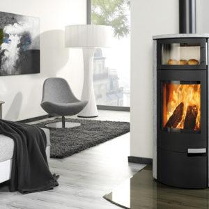 Fonte-flamme-cheminees-jouvin-poele-a-bois-design-contemporain-Inox-gustoback-ambiance