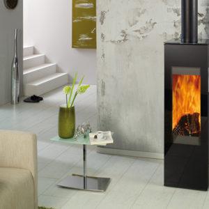 Fonte-flamme-cheminees-jouvin-poele-a-bois-design-contemporain-cantara-ambiance