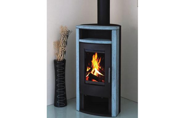 Fonte-flamme-cheminees-jouvin-poele-a-bois-design-contemporain-first-noir-cote-pierre-ollaire-serpentino-il