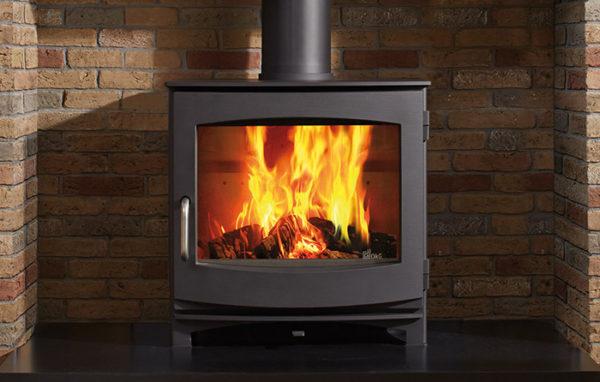 Fonte-flamme-cheminees-jouvin-poele-a-bois-design-contemporain-ivar-8-Low