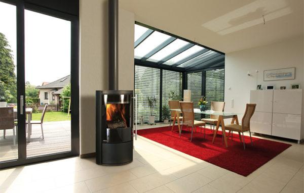 Fonte-flamme-cheminees-jouvin-poele-a-bois-design-contemporain-mesa-noir-(2)