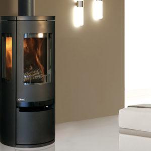 Fonte-flamme-cheminees-jouvin-poele-a-bois-design-contemporain-soro-ambiance