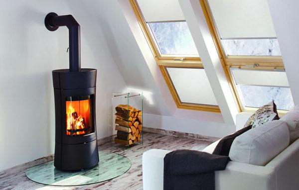 Fonte-flamme-cheminees-jouvin-poele-a-bois-design-contemporain-vispa-1-il