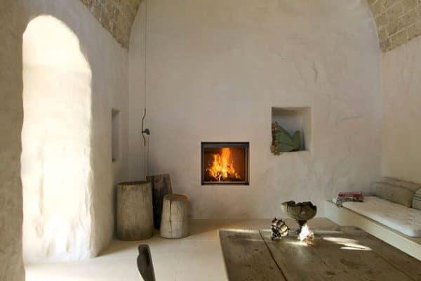 Cheminée foyer bois MCZ plasma 75 avec porte relevable béton blanc cheminées Jouvin Vitré