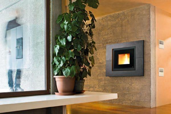 Insert cheminée foyer bois MCZ Vivo 70 design contemporain cheminées jouvin à Vitré habillage ardoise