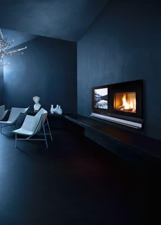 Insert cheminée foyer bois MCZ Vivo 90 avec TV Scénario design cheminées jouvin à Vitré