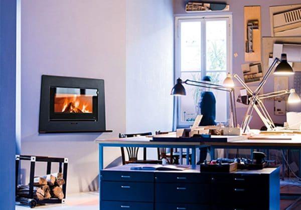 Insert cheminée foyer bois MCZ Vivo 90 avec cadre pierre ardoise design contemporain cheminées jouvin à Vitré