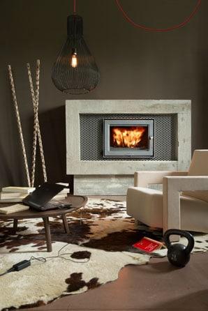 LORFLAM-foyer cheminée bois -EASY75-ambiance-portrait-72