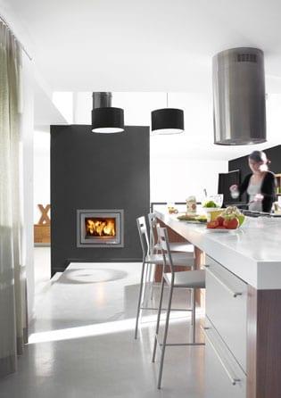 LORFLAM-insert-cheminee-bois-XP68-IN-cheminees-jouvin-vitré-style moderne