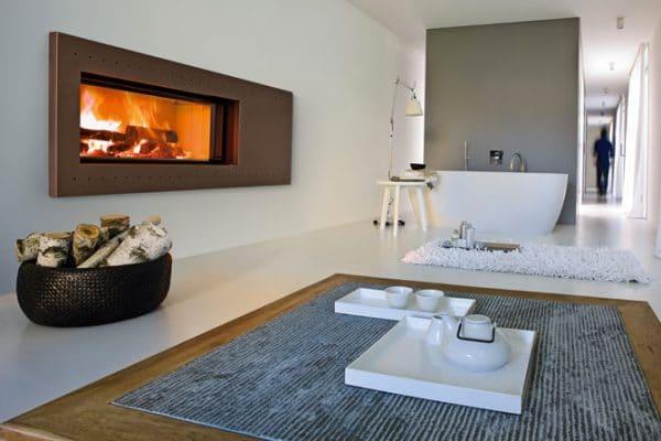 cheminée foyer bois MCZ Plasma 115 avec porte relevable design contemporain