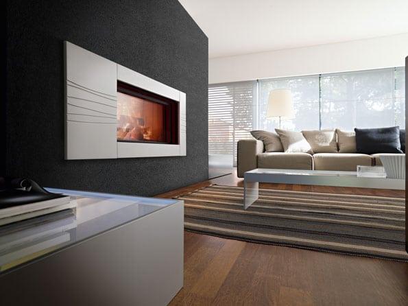 cheminée foyer bois MCZ Plasma 115 avec porte relevable habillage Monnet